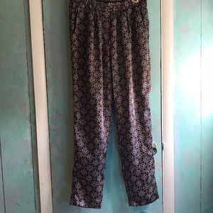 EUC- Flowy pants with POCKETS!